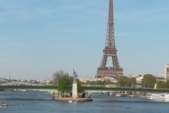 E2 Seine river to Eiffel T + Statue of L 172236